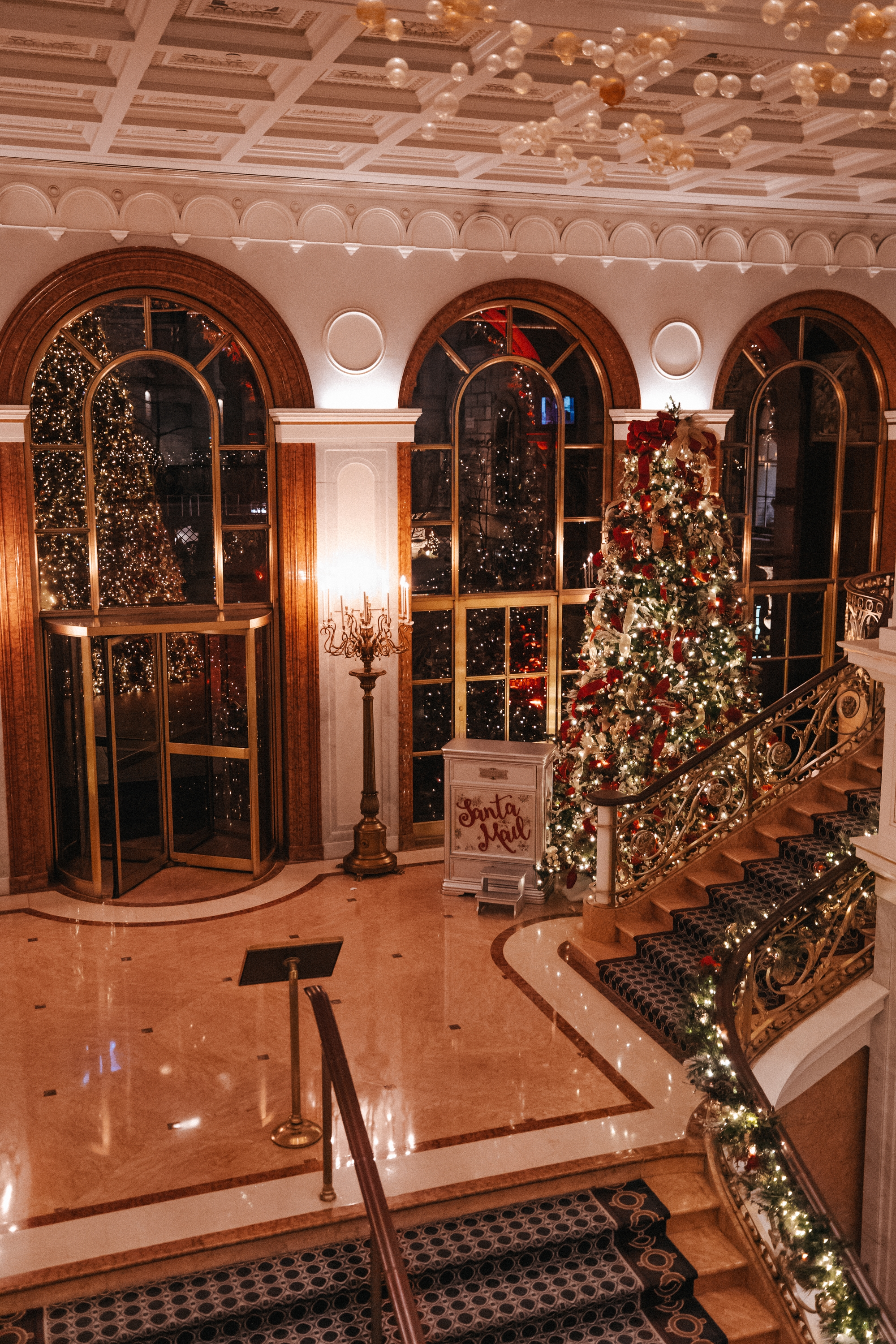 best christmas hotel new york 1